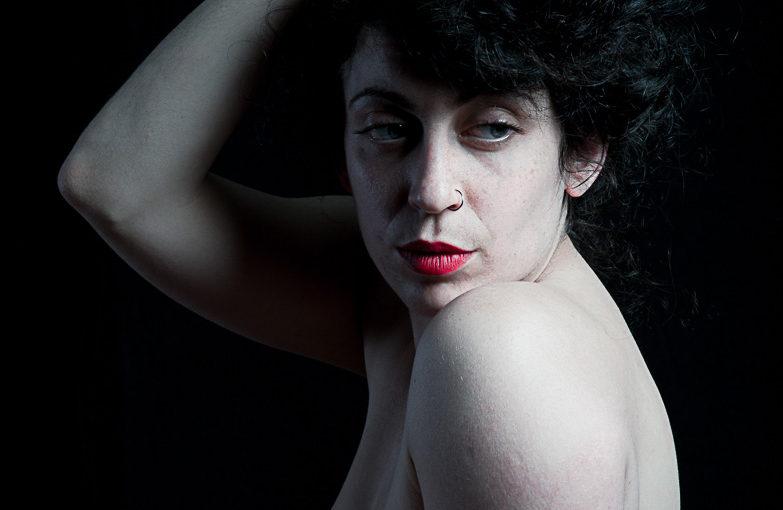 Charlotte en studio ou l'art du clair obscur et du mouvements